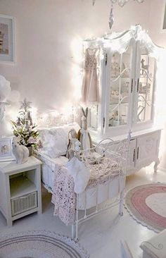 white & cosy