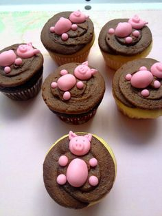 pigs in mud handmade fondant cupcake toppers made by FancytopCupcake on Etsy, $17.00