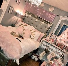 Good place to start is our gallery below of room enhancing ideas for every single design and cost factor. If you're strapped for money, look into our budget plan bed room. Dream Rooms, Dream Bedroom, Home Bedroom, Girls Bedroom, Bedroom Decor, Bedroom Ideas, My New Room, My Room, Girl Room