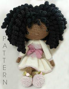Etsy の Michelle  Amigurumi Doll Crochet Pattern by CarmenRent