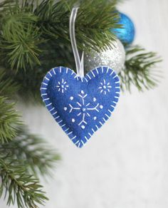 Set of 3 Blue Felt Hearts with Snowflakes Xmas Heart Christmas Ornament Xmas Tree Heart Decoration Xmas Tree Ornament Xmas Christmas Decor by LorenzaPari on Etsy https://www.etsy.com/listing/203954206/set-of-3-blue-felt-hearts-with