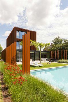 Comment l\'acier Corten valorise-t-il l\' aménagement paysager moderne