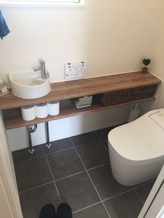 《WEB内覧会》トイレ - Moreandmore Tutorial and Ideas Small Toilet Room, Bathroom Decor, Toilet, Bathroom Makeover, Bathroom Design Small, Small Toilet, Dining Room Small, Bathroom Design, Toilet Design