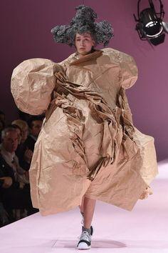 Comme des Garçons Fall 2017 Ready-to-Wear (?) Collection Photos - Vogue