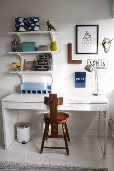 VARDAGSKÄRLEK: Pojkrum Kid Spaces, Kids Decor, Beautiful Children, Scandinavian Style, Room Inspiration, Office Desk, Kids Room, Diy Projects, Room Decor