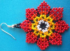 Huichol Beaded Flower earrings van Aramara op Etsy