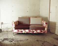 Trend: Contrast Custom Sofas