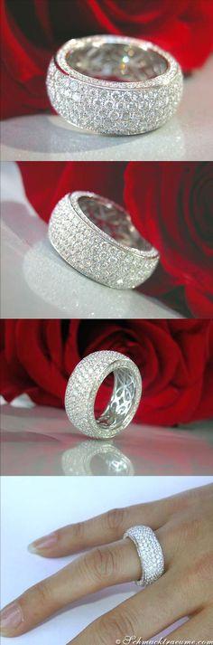 High-end Diamond Eternity Ring, 4,68 ct. g-vsi/vvsi WG18K - schmucktraeume.com Like: https://www.facebook.com/pages/Noble-Juwelen/150871984924926 #DiamondEternityRings