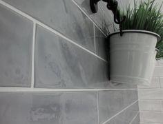 Picket modern subway tile