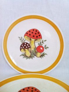 Two Vintage Merry Mushrooms Dinner Plates Retro Groovy by Comforte, $14.00