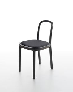 The elegant Siro+ chair is also available in stained black. There is a choice of wooden or upholstered seat, upholstery made of Sand paper yarn cotton fabric. Design Ilkka Suppanen and Raffaella Mangiarotti.
