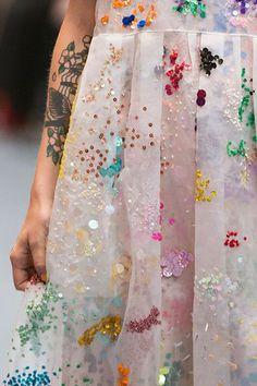 Ashish at London Fashion Week Spring 2016 Ashish at London Spring 2016 (Details. Ashish at London Fashion Week Spring 2016 Ashish at London Spring 2016 (Details) London Fashion Weeks, Embroidery Dress, Beaded Embroidery, Embroidery Fashion, Wedding Pattern, Design Textile, Textile Prints, Coachella Festival, Fashion Details