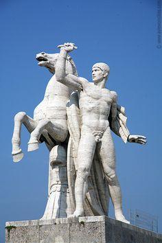 Statue at EUR