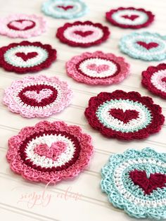 Crochet Heart Coasters Pretty Valentine crocheted heart coasters or mug rugs. Pink and red valentine Holiday Crochet, Crochet Home, Crochet Crafts, Yarn Crafts, Crochet Projects, Crochet Kitchen, Diy Crafts, Crochet Coaster Pattern, Crochet Motif
