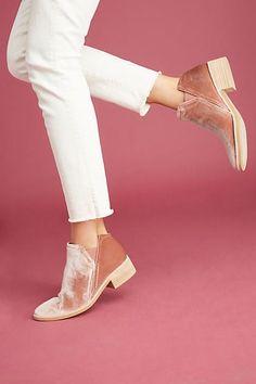 Dolce Vita Tay Ankle Boots | Pinterest: Natalia Escaño
