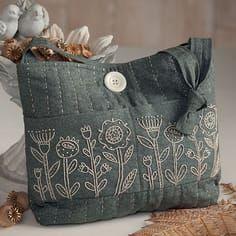 刺し子トートバッグ自作 Patchworked fabric bag with Sashiko stitching. Sashiko Embroidery, Embroidery Flowers Pattern, Embroidery Bags, Simple Embroidery, Japanese Embroidery, Hand Embroidery Stitches, Embroidery Designs, Hand Stitching, Embroidery Supplies