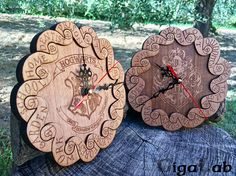 Harry Potter Wooden Wall Clock - Hogwarts - Weasley Clock