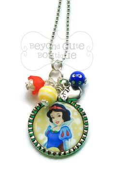 SNOW WHITE NECKLACE /// Keychain Keyring by BeyondCuteBoutique