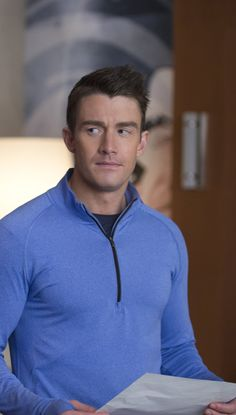iZombie 2x15 - Major Lilywhite (Robert Buckley) HQ