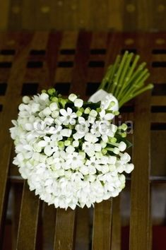 WHITE BOUVARDA BOUQUET