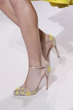 OMG: MORE SHOES!!!! Nicholas Kirkwood, Dior, Armani, Valentino, Versace and more | ScrapNwer