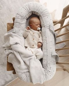 Great for sleeping baby! sleep baby newborn schedule sample 2 5 week old baby sleep routine Baby Bedroom, Baby Bedding, Our Baby, Baby Boys, Little Babies, Cute Babies, Diy Bebe, Newborn Baby Photos, Baby Boy Newborn