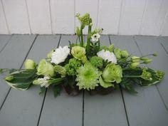 Borddekorationer - www. Summer Flower Arrangements, Contemporary Flower Arrangements, Funeral Flower Arrangements, Beautiful Flower Arrangements, Funeral Flowers, Beautiful Flowers, Memorial Flowers, Valentines Flowers, Deco Floral