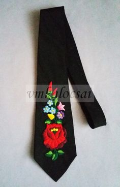 7ff7c2eee3 Nyakkendő kézzel hímzett kalocsai mintával, Kalocsai hímzett nyakkendő, VM  Kalocsai Shop Kalocsai