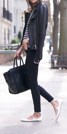 Simple fall outfit-black leather jacket, stripe tee, black skinny jeans and lace up flats Looks Chic, Looks Style, Look Fashion, Womens Fashion, Fashion Trends, Fashion Flats, Fashion News, Jeans Trend, Outfit Chic