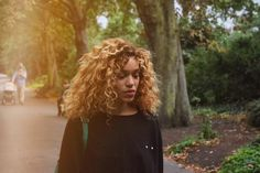 """Izzy Bizu has premiered the music video for her new single online. The singer/songwriter – real name Isobel Bizu Beardshaw – posted the visual clip for """"White Tiger"""" to her Vevo channel on Thursday…"""