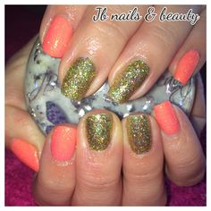 Sparkly orange & gold gel polish on natural nails