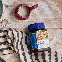 Mierea Manuka MGO 250+ este indicată pentru tratarea infecțiilor cu microorganisme bacteriene și fungice. Manuka Honey