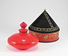 1925 Depinoix, Gabilla Chin-Li Perfume Bottle : Lot 196