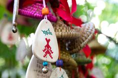 This cute little wind chime is an integral part of an ancient custom of the Li ethnic group in Hainan. Local tradition has it that the chime, decorated with the motif of a native Li deity, is a powerful vehicle through which one's wishes are conveyed to the heaven. All you need to do is to write your wishes on the back of it and tie it onto the bridge.  Try to win 15 days trip to a beautifull Sanya! #SanyaHeartstoHearts Get info at Facebook page: visit_sanya and follow instructions.