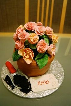 3D Flower Pot Cake for gardener