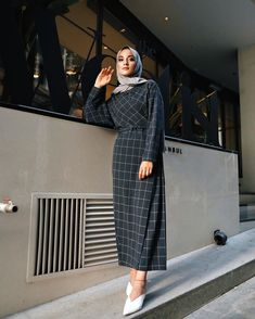 146 trendy skirt pleated outfits modest fashion – page 1 Modest Fashion Hijab, Modern Hijab Fashion, Hijab Fashion Inspiration, Islamic Fashion, Muslim Fashion, Modest Outfits, Skirt Fashion, Hijab Fashion Summer, Indian Fashion