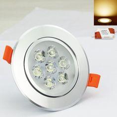 Perfect Ein TR DFRI Dimmer Set bestehend aus einer runden Fernbedienung mit der man das Licht ohne Festinstallation dimmen kann und einer LED Lampe