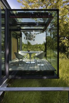 Ero|S| chairs by Philippe Starck | Bated breath...