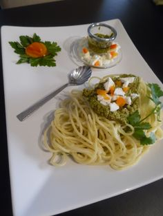spaghetti with basil and parsley sauce
