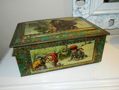 VERY RARE Victorian Edwardian Era Christmas Santa Claus Large Tin Jewelry Box?