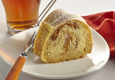 Pumpkin Swirl Cake: Roll up autumn in one sweet swirl with yellow cake mix, pumpkin puree, cinnamon and nutmeg. Cake Mix Recipes, Dessert Recipes, Great Recipes, Favorite Recipes, Swirl Cake, Cake Mixture, Easy Banana Bread, Yellow Cake Mixes, Just Cakes