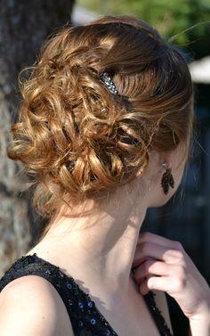 Sheek pined up curls #boho #updo #hairdo