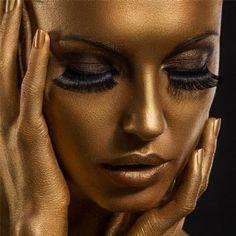 MINDFUCK: DER GOLDENE ORGASMUS - In dieser Hypnose werde ich deinen Körper in eine goldene Statue verwandeln. Du wirst dich unmöglich noch bewegen können. Und wenn du mir völlig bewegungslos ausgeliefert bist - werde ich deinen Geist f*cken.  #Hypnose #Verwandlung #Fetisch #Mindfuck
