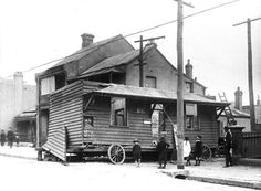 House removal.Corner of Brown St and Missenden Rd,Camperdown,inner suburb of Sydney in 1916.Photo from City of Sydney Archives.A♥W