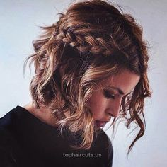 Party and NYE Hairstyles for Medium Hair This gorgeous braid is easy to style and works for medium length hair too.  http://www.tophaircuts.us/2017/05/06/party-and-nye-hairstyles-for-medium-hair/
