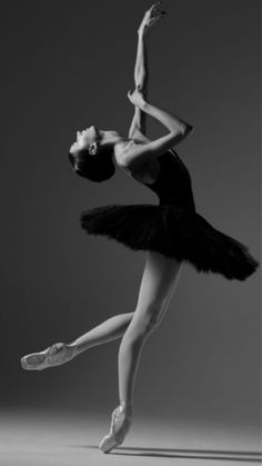 Anna Turchaninova-Bolshoi Ballet by ines Anna Turchaninova-Bolshoi Ballet by ines Ballet Du Bolchoï, Bolshoi Ballet, Ballet Dancers, Ballerinas, Royal Ballet, Dance Photography Poses, Dance Poses, Photography Kids, Ballerina Photography