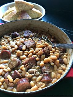 Saturday Night Beans - New England Style - One Hundred Dollars a Month Side Dishes Easy, Side Dish Recipes, Tasty Dishes, Main Dishes, Southern Cooking Recipes, Cajun Cooking, Baked Bean Recipes, New England Style, Bbq Pork