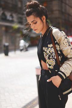 street style, fashion, bomber jacket, embroidery jacket, top knot,