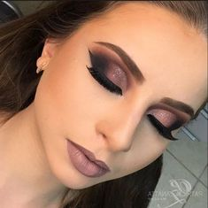50 Best Selection Stunning 👄 Makeup Inspirational Idea For Prom And Wedding 😇 - Makeup Design 19 💖 𝙄𝙛 𝙔𝙤𝙪 𝙇𝙞𝙠𝙚, 𝙅𝙪𝙨𝙩 𝙁𝙤𝙡𝙡𝙤𝙬 𝙐𝙨 💖 💋 💋 💋 💋 💋 💋 💋 💋 💋💋 Hope you love it ! 😘 ₴₮Ʉ₦₦ł₦₲ ₥₳₭ɆɄ₱ łĐɆ₳ 😘 յշօՏ-Ց Fresh Wedding Makeup, Wedding Hair And Makeup, Bridal Makeup, Cute Makeup, Prom Makeup, Simple Makeup, Perfect Makeup, Bridesmaid Makeup, Concealer