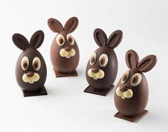 Les meilleurs oeufs en chocolat de Pâques 2013 Chocolate Work, Chocolate Coins, Easter Chocolate, Chocolate Gifts, Easter Toys, Easter Egg Crafts, Easter Projects, Easter Cupcakes, Easter Cookies